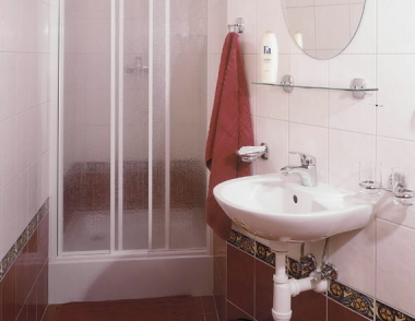 All rooms include a bathroom; double rooms have an extra small room.